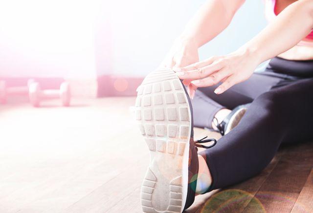 Jakie ćwiczenia pomagają utrzymać nogi w dobrej formie?
